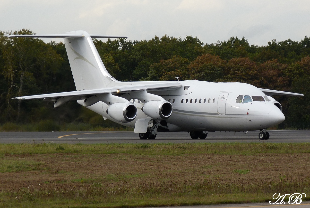 [03/11/2011] British Aerospace BAe 146-200 (G-RAJJ) Cello Aviation 1111030506131373939000002