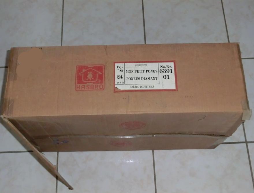 Cartons et conditionnements d'usine - Factory cases - Page 2 111115100401668849054751